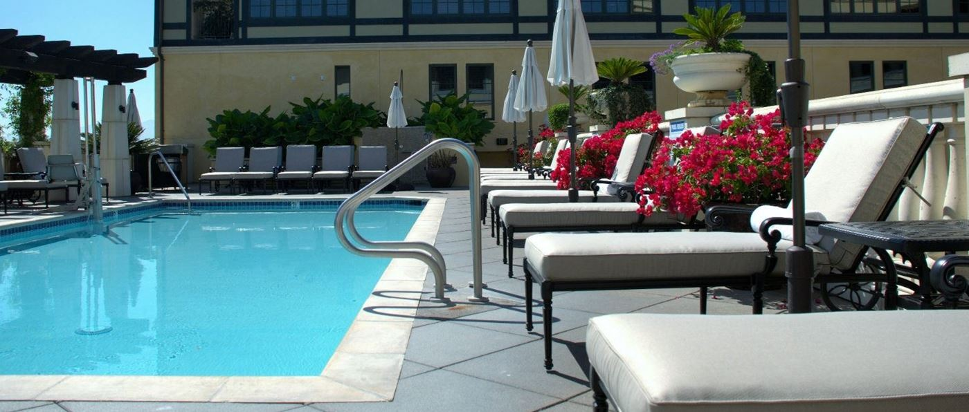 Outdoor pool at Hotel Valencia Santana Row