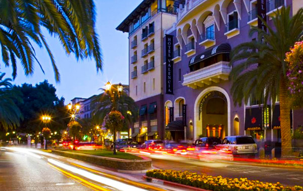 upscale shopping and dining in Santana Row